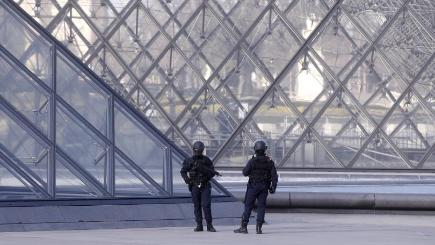 Trump quickly condemns Louvre attack, still quiet on Quebec