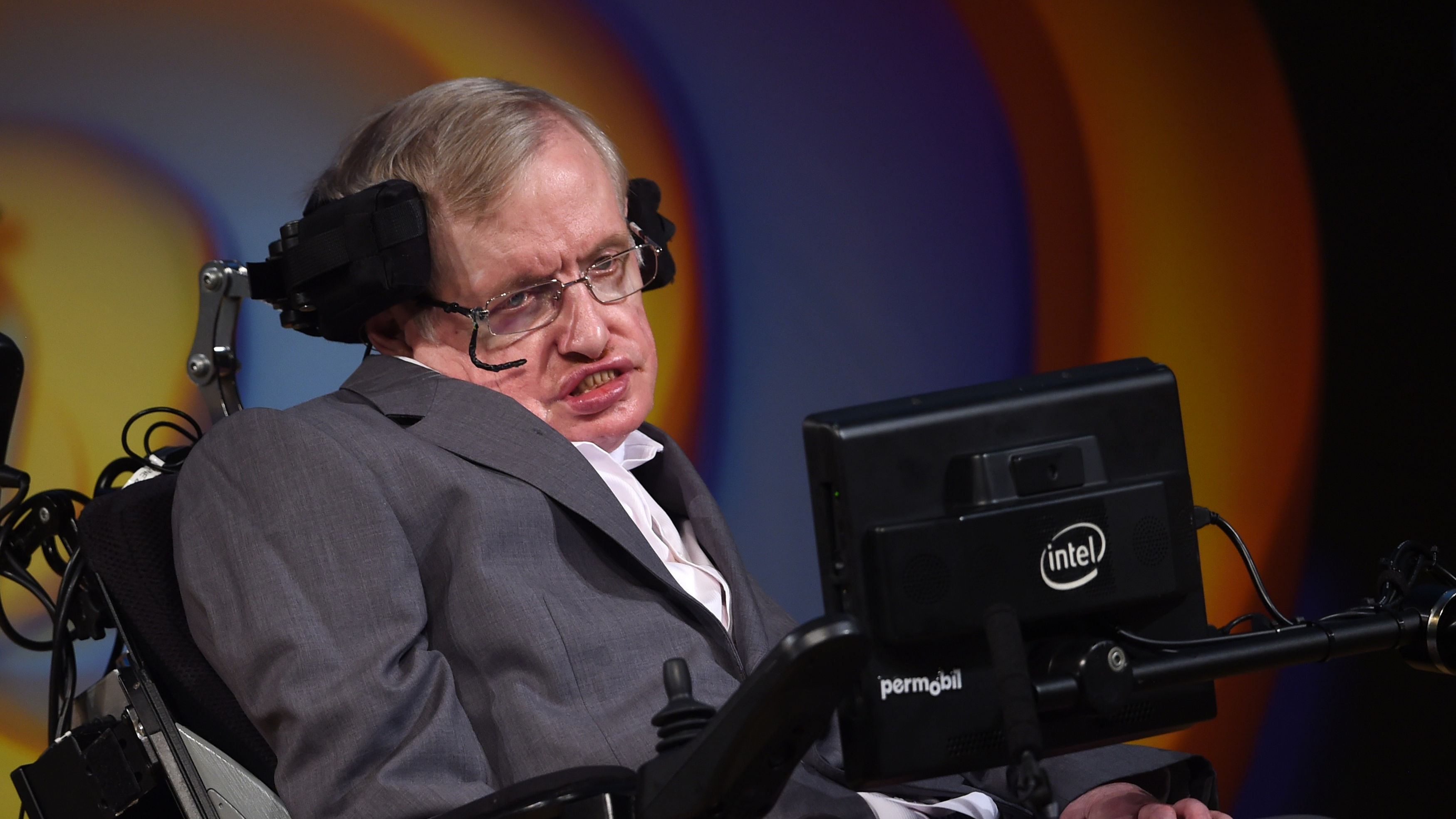 Celebrities mourn Hawking's death at funeral