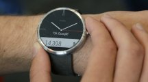 Google updates Android Wear ready for Apple Watch competition