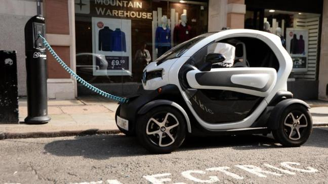 Electric Cars Could Be Allowed In Bus Lanes And Use Street Lamps To Charge Four Towns