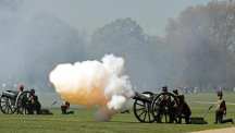 Gun salute for the Queen