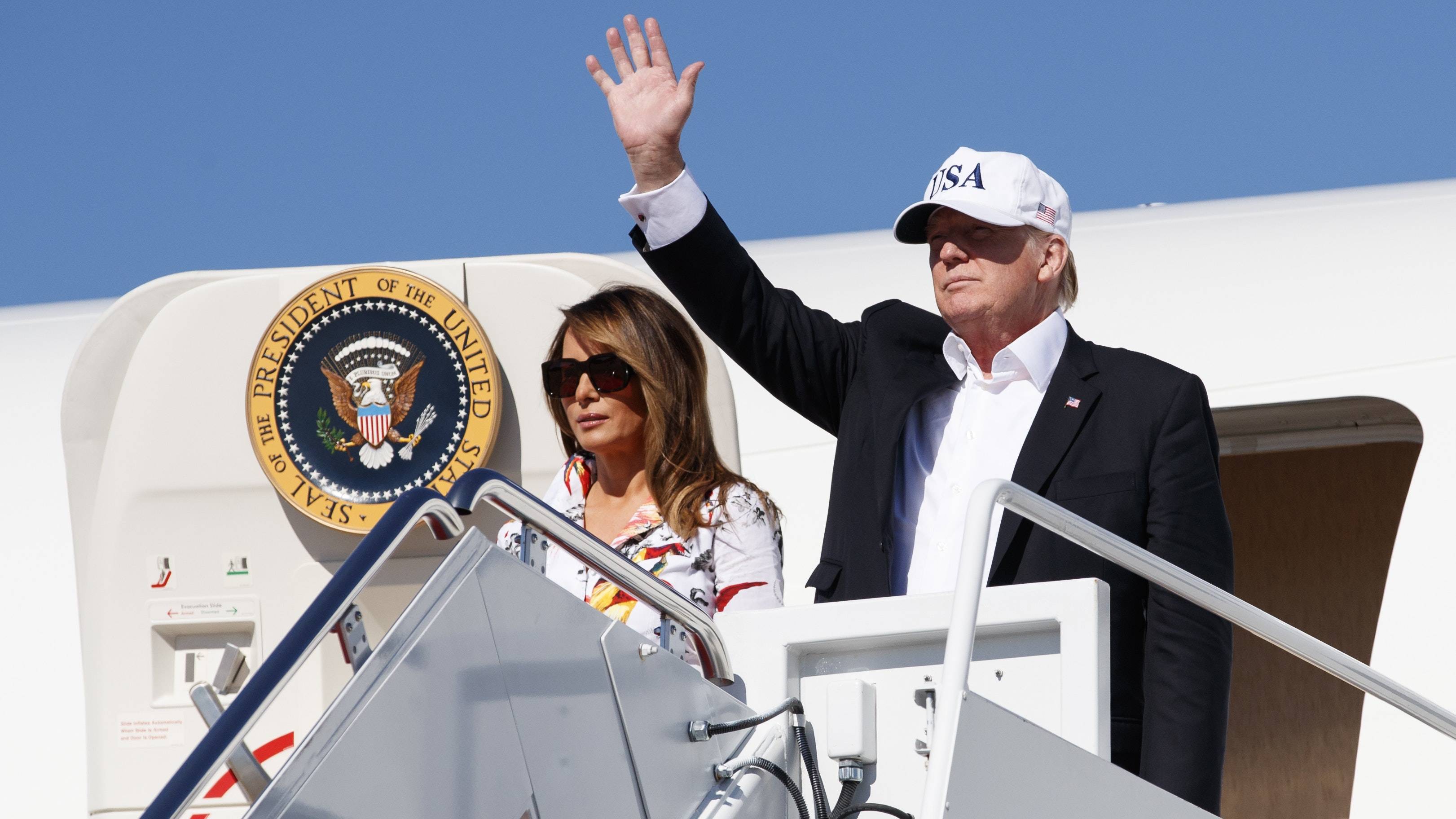 Trump wants a patriotic makeover for Air Force One