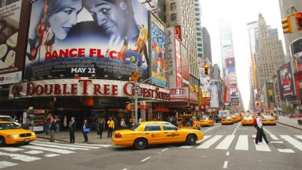 Holidaymakers taking christmas shopping trip to new york for Christmas trips to new york