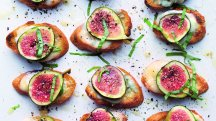 How to make Annie Bell's Fig, Gorgonzola and Basil Croutes
