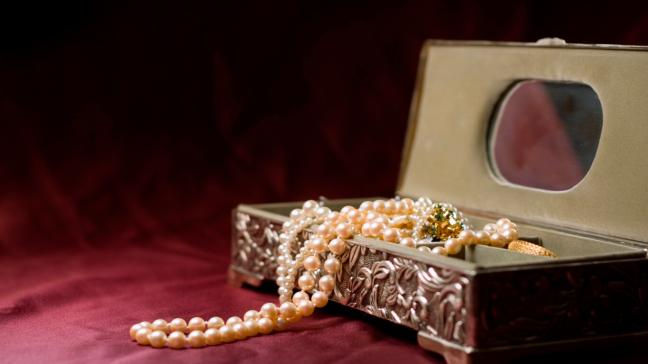 How to spot if your vintage jewellery is worth a fortune - BT