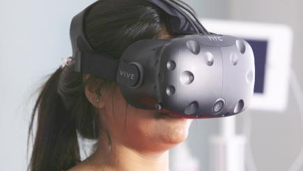 How virtual reality is helping patients to 'see' their back pain