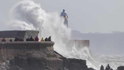 Hurricane Lee remnants to usher in heavy rain and gales