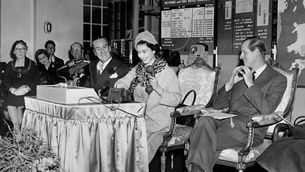 In 1958, the Queen made the first long-distance telephone call without the help of an operator.
