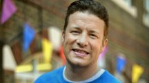 Jamie Oliver says no reason why PM can't do right thing on childhood obesity