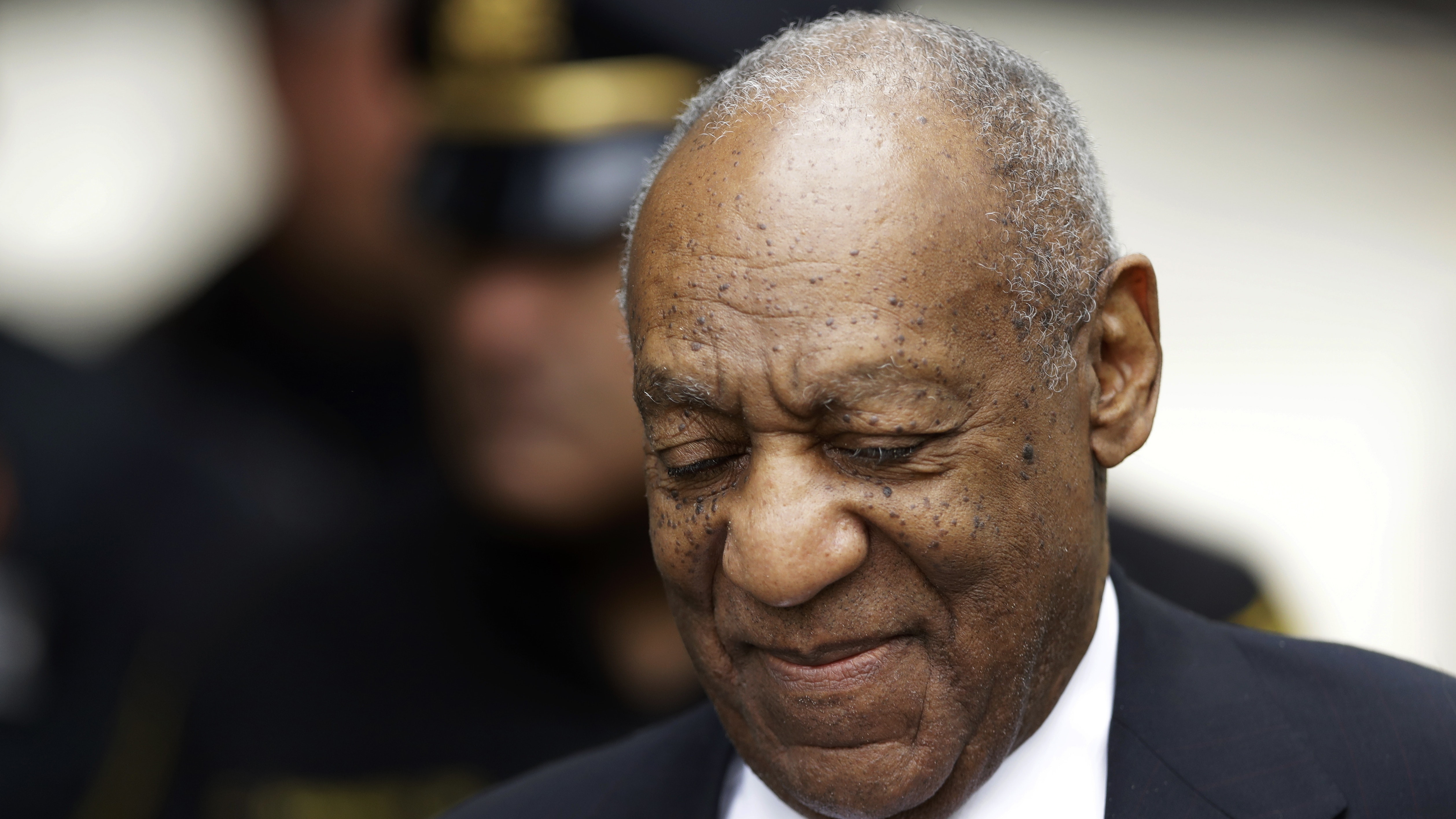 Judge rejects Cosby team's bid for acquittal