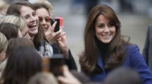 Kate Middleton's royal blue coat that she wore during her visit to Dundee is everything