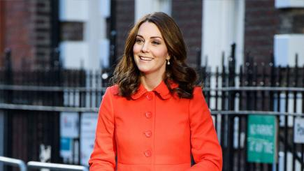 Kate all smiles on trip to school to launch mental health website
