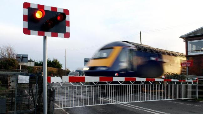 Level crossing safety tips for delivery drivers amid