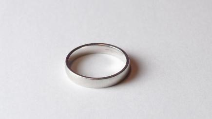 lost wedding ring found at bottom of the ocean bt