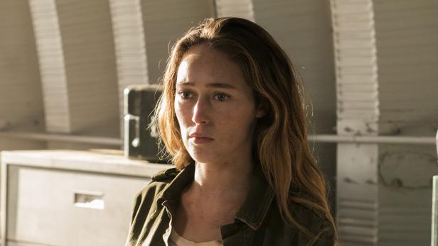 Alycia Debnam Carey as Alicia in Fear the Walking Dead