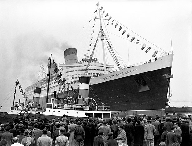 The RMS Queen Elizabeth leaves Southampton for New York on her maiden voyage