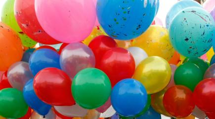Man Ties 120 Giant Helium Balloons To Garden Chair And