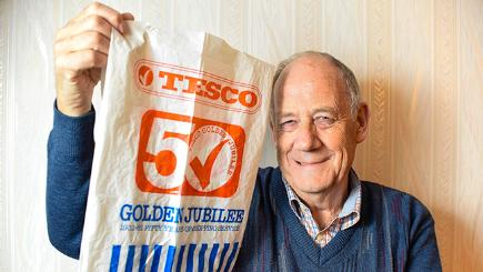 Pensioners reuses carrier bag for 34 years