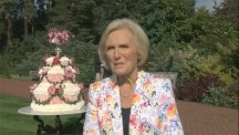 Mary Berry impressed by 'magnificent' flower cake