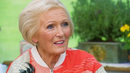 Mary Berry looked stunning in her pink bomber jacket (screengrab from BBC)