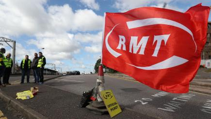 Merseyrail workers to stage pre-Christmas strike in row over guards' role