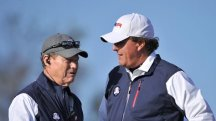 Mickelson hits out at Watson