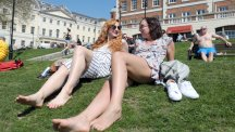 More hot weather forecast for Friday as April sizzles