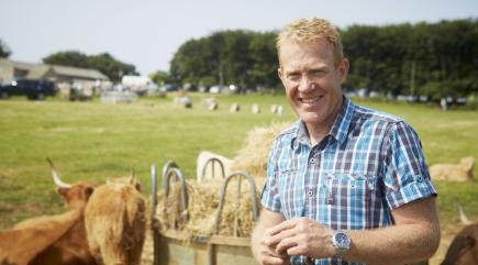 Countryfile star upstages Phil and Holly