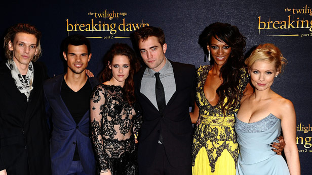 MyAnna Buring and cast of Twilight