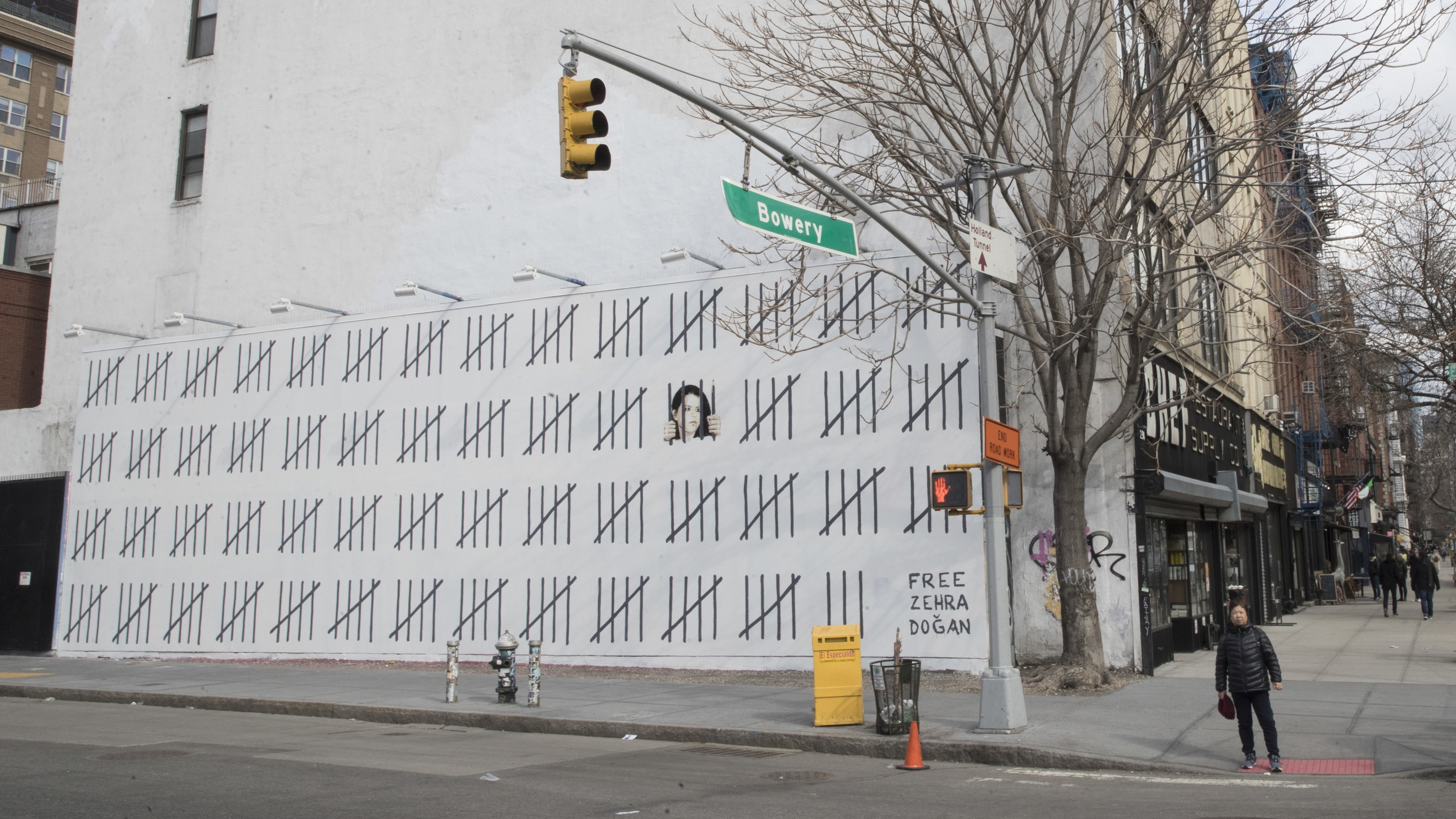 Banksy unveils NY mural in support of jailed Turkish artist
