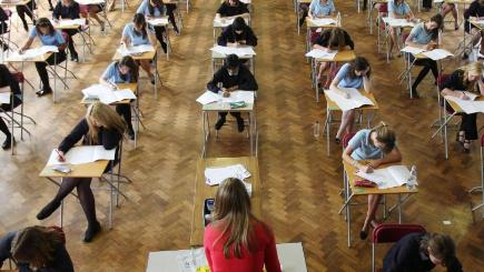 are school league tables good or bad Secondary school league tables: 250,000 children saved from bad comprehensives school league tables for gcses and a-levels published by the department for education showed that 117,000 children were taught in failing comprehensives last summer.