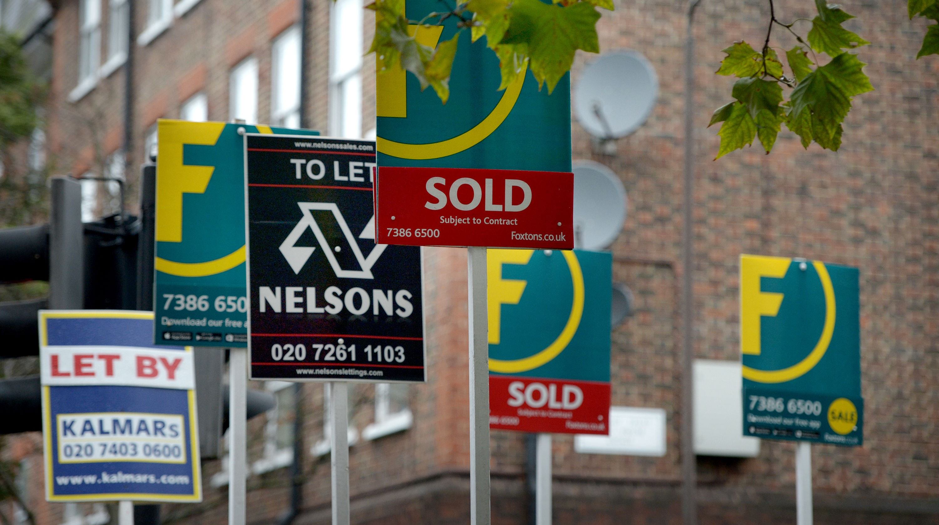 Crackdown on rogue estate agents launched