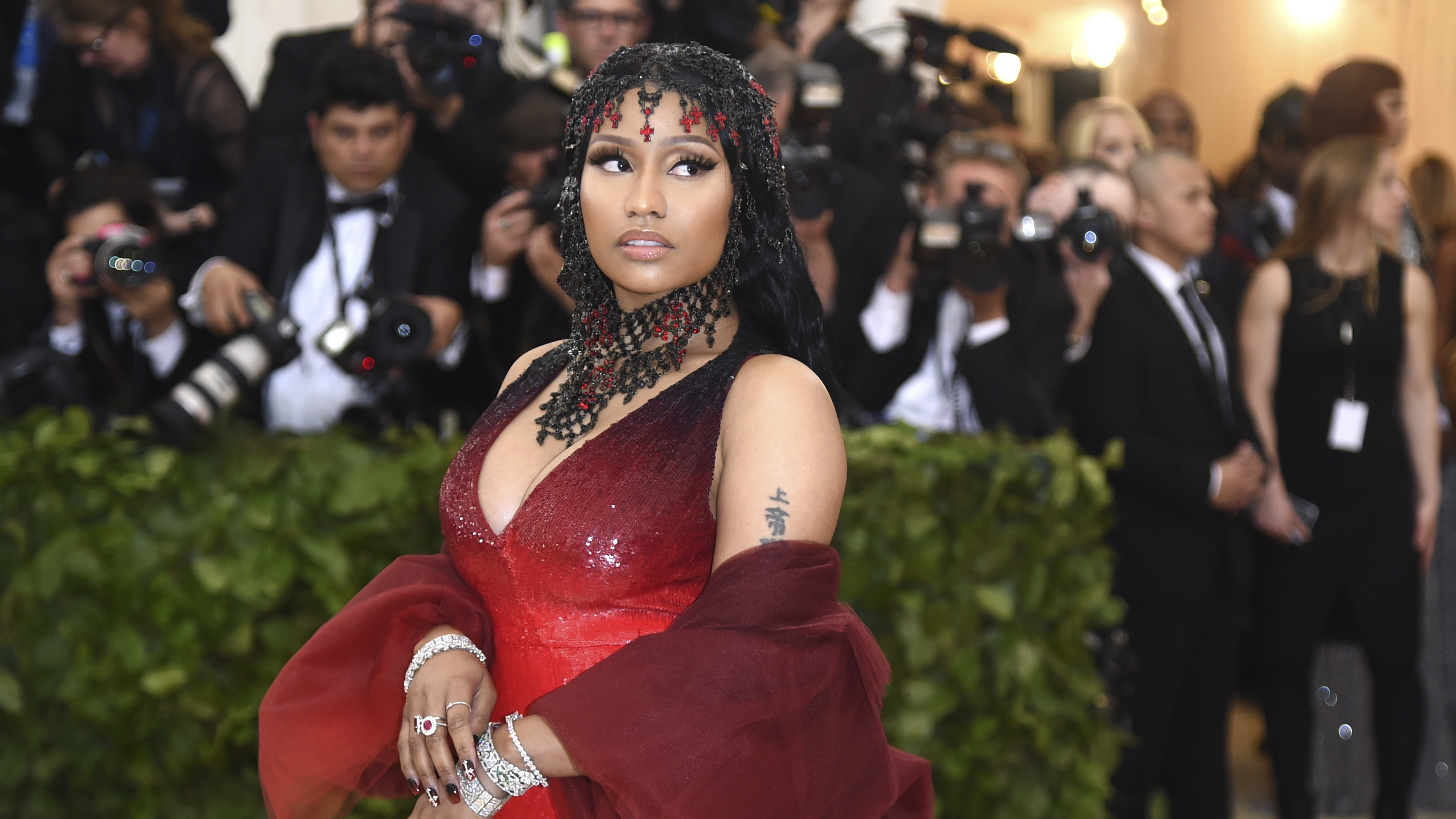 Nicki Minaj Announces Release Date For Upcoming Album 'Queen'