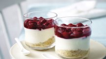 No-bake raspberry cheesecakes