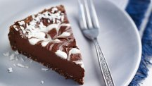 No-bake raw chocolate tart