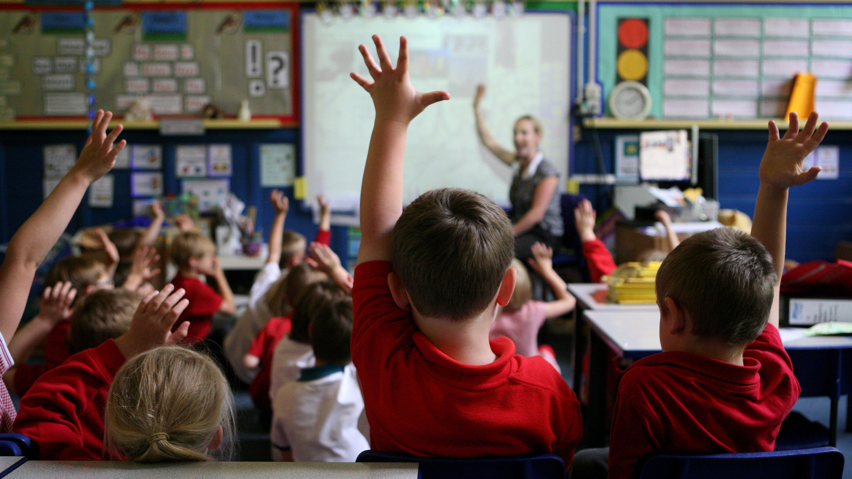 Older school pupils 'not reading challenging books'