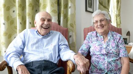 Couple to become world's oldest newlyweds