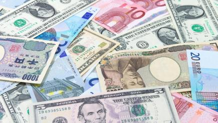 Online money transfers: all you need to know when sending currency abroad