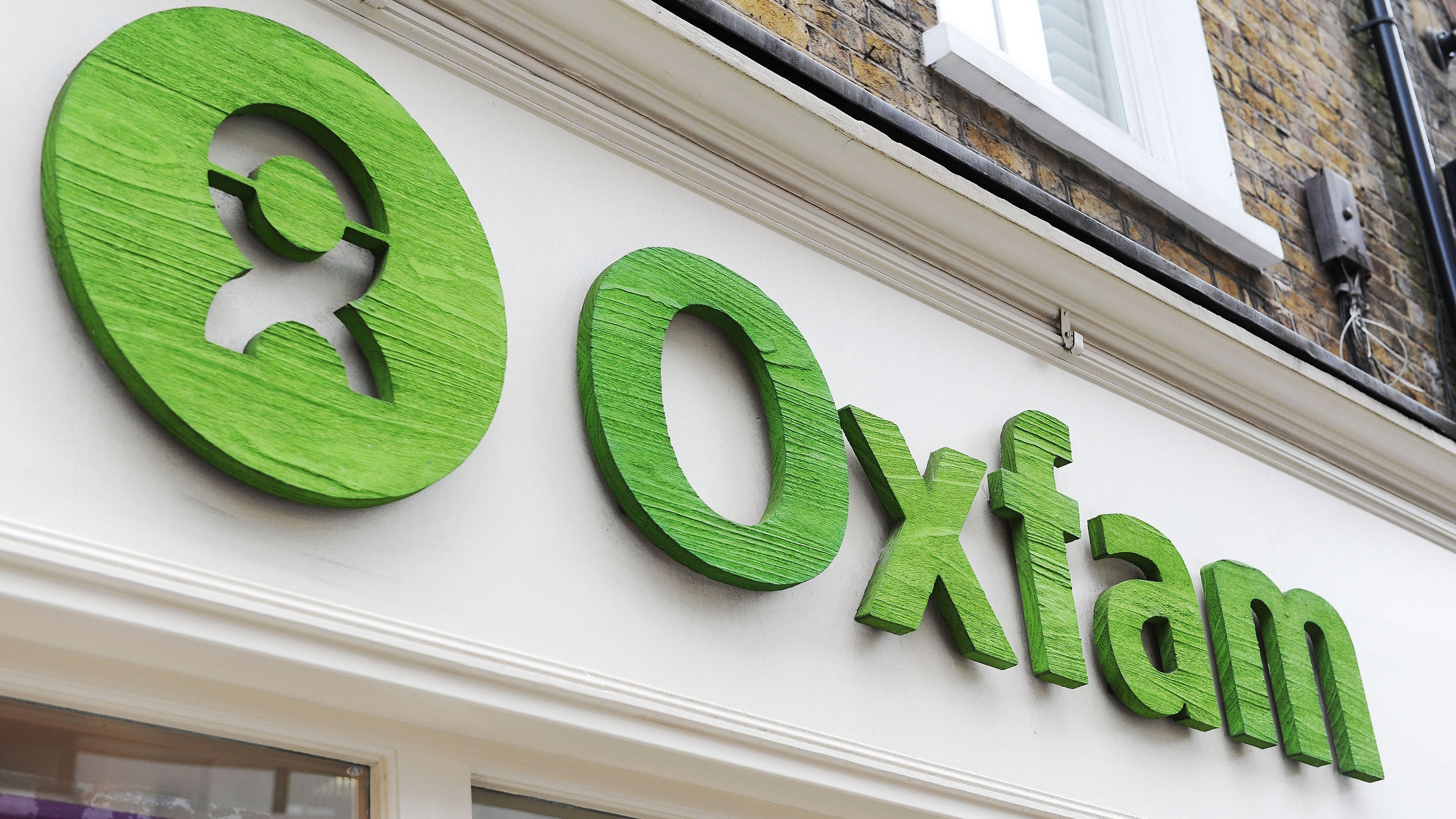 Oxfam: Witness 'threatened' in sexual misconduct probe