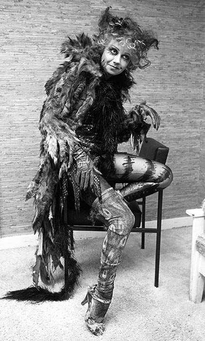Elaine Paige as Grizabella