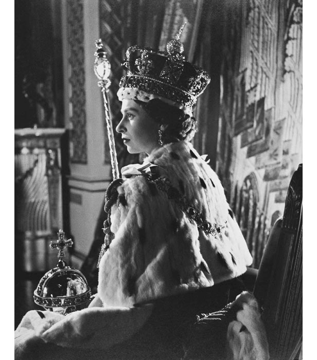 june 2 1953 millions watch on tv as queen elizabeth ii is crowned at westminster abbey bt bt com