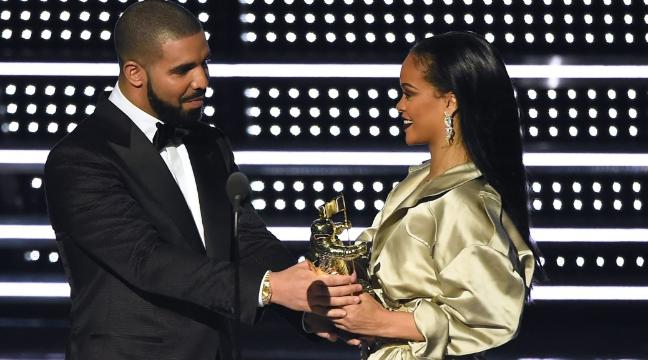 People Fully Expected Drake To Propose To Rihanna On Stage After