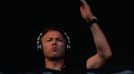 Pete tong finally becomes a chart topper with classic for Classic house pete tong