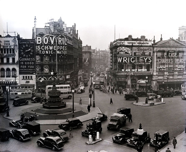 Piccadilly Circus 1949