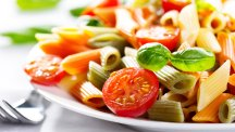 plate of pasta and tomato