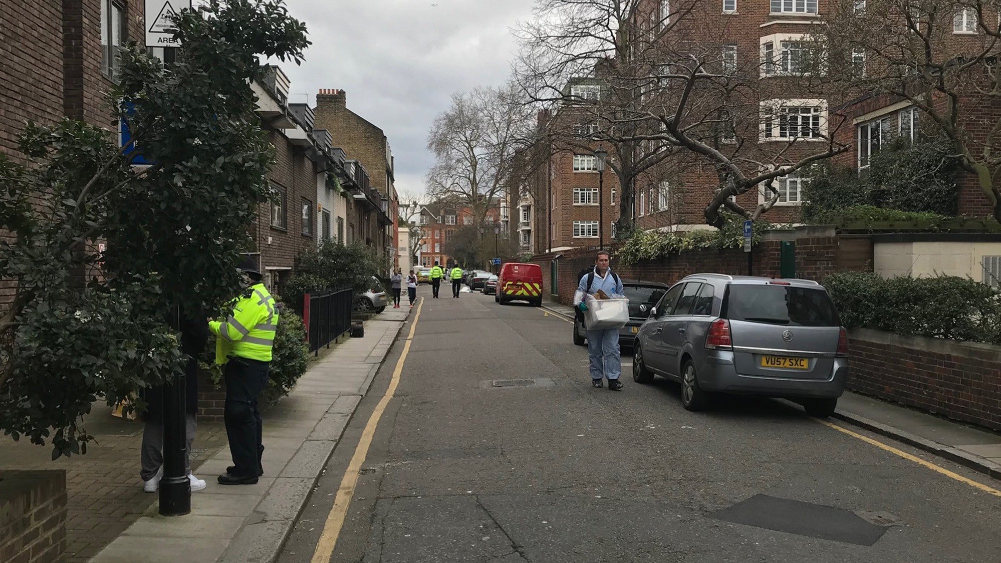 Murder investigation launched after fatal stabbing in Kensington