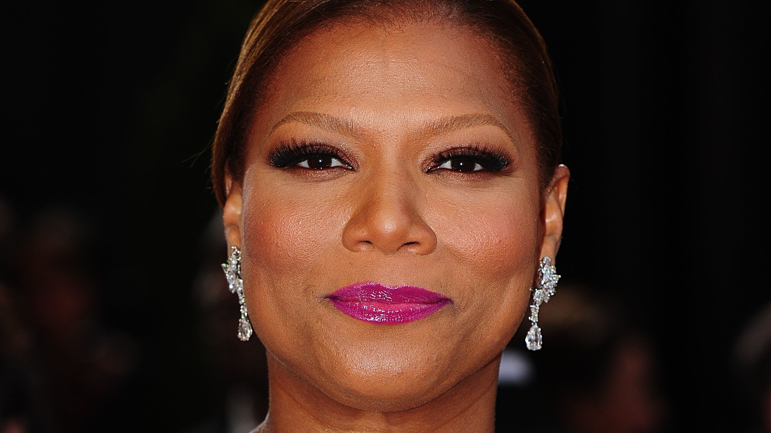 Queen Latifah unable to accept award for 'personal reasons ...