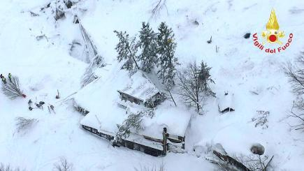 Italy avalanche: Survivors found in hotel buried by snow