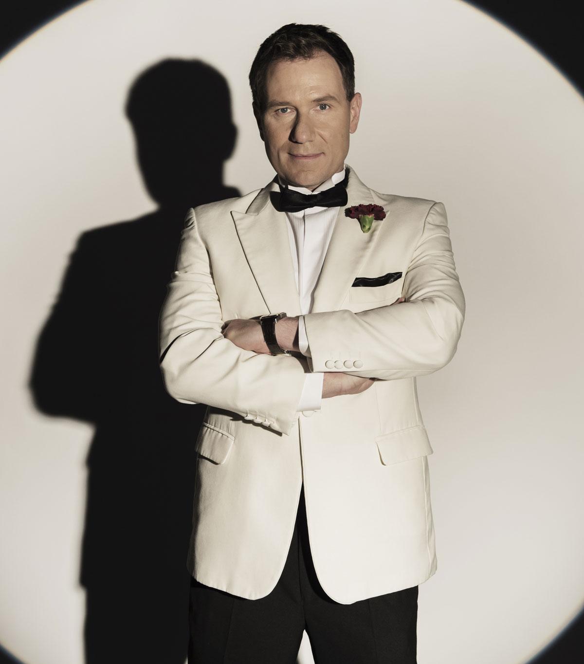 Susanna Reid Good Morning Britain Presenters Dress Up As James Bond