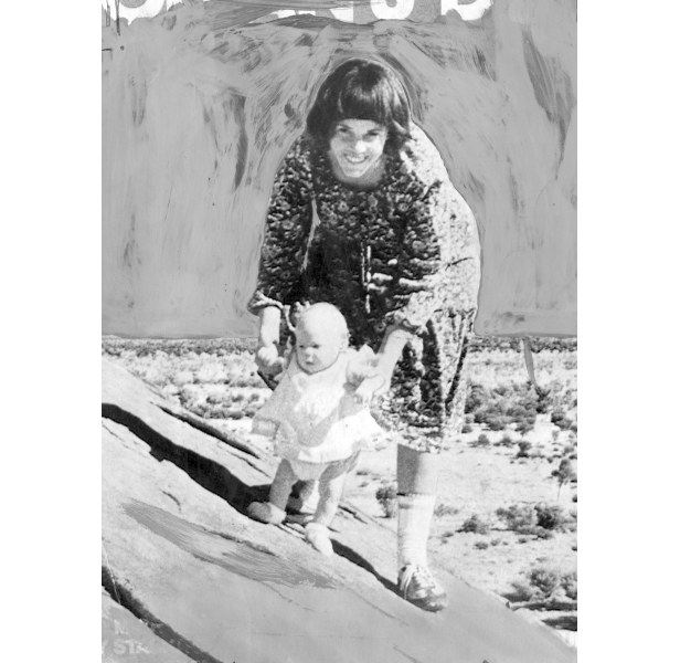 Lindy Chamberlain with baby Azaria at Ayers Rock.